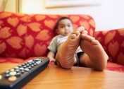 Should Parents Let Their Toddlers Have Screen Time?