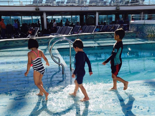 Pros and cons of cruising with kids