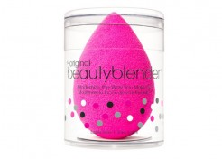 How to Use a Beauty Blender the Right Way