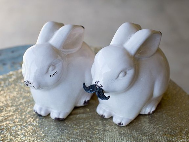 gender-reveal-baby-shower-white-bunny-staches-lashes