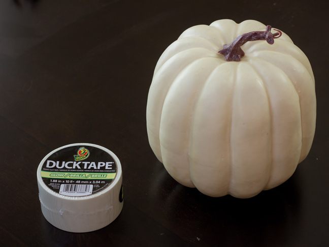 DIY_Glow_In_The_Dark_Pumpkin_1