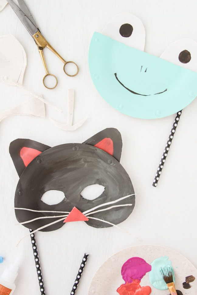 DIY Animal Masks for Halloween Made of Paper Plates