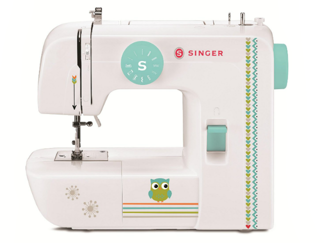 Gifts for the Kids Who Love Dolls and All the Fun That Comes with Them on @ItsMomtastic | Holiday Gift Guide featuring Singer 1234 Sewing Machine with Free Online Owner's Class and Tote Bag Project