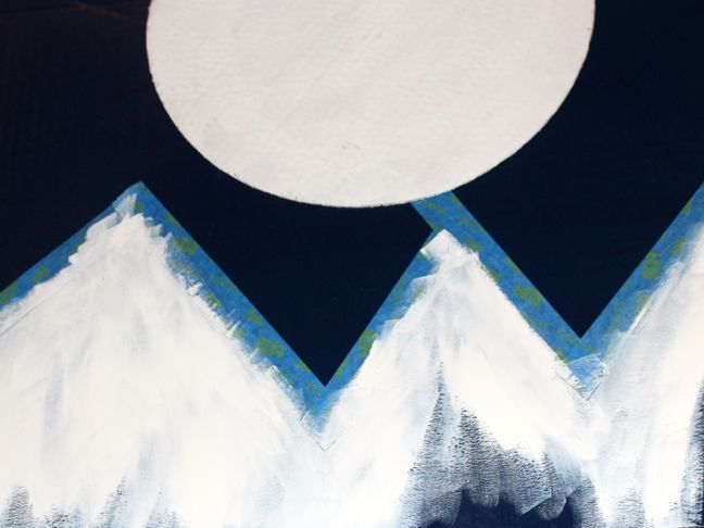 moon-mountain-peaks-white
