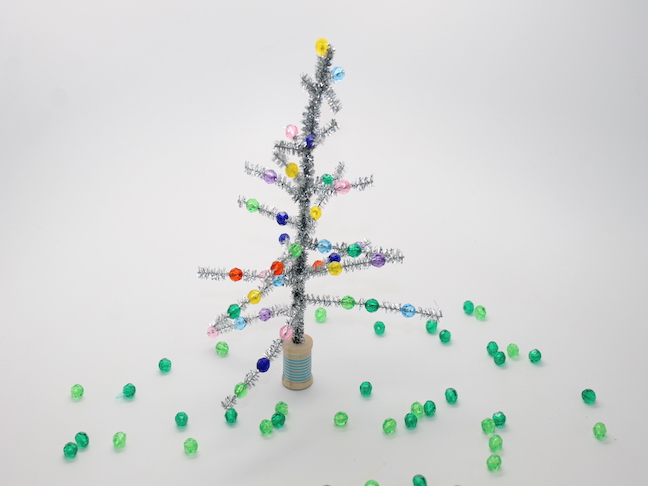 diy retro christmas tree kid craft how-to step 2