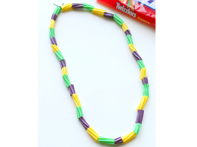 mardi-gras-necklace