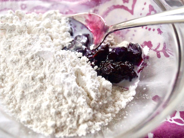 white-sugar-purple-jam-spoon