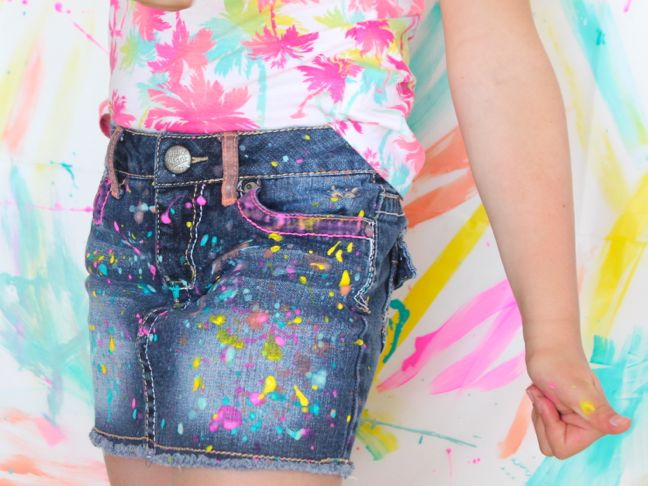 girl-wearing-paint-splatter-jeans-with-