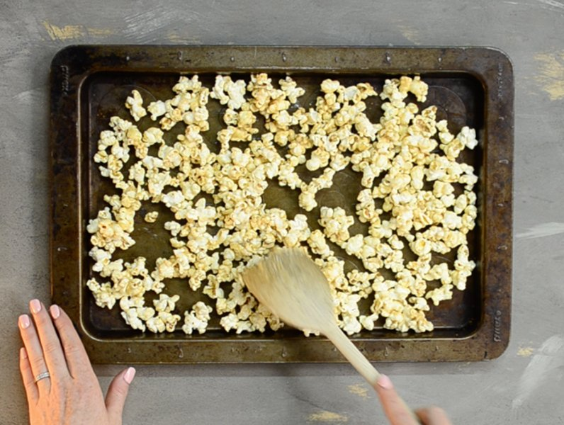 healthy-flavoured-caramel-popcorn-recipe-5