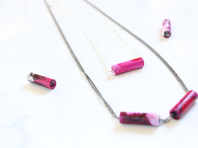 diy-nail-polish-marbled-bar-necklace-silver-chain