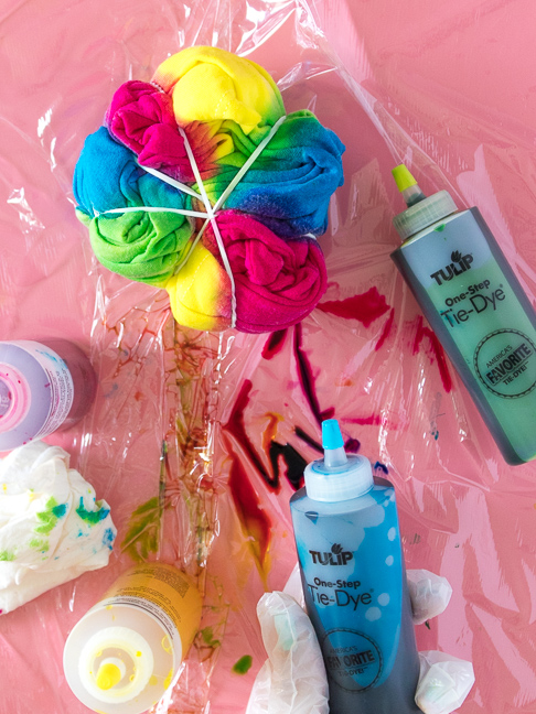 How to Tie Dye Fabrics like a Pro