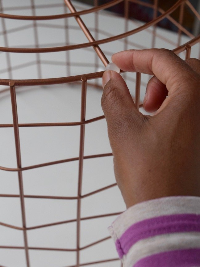 DIY Wire Basket Table, No Tools Necessary
