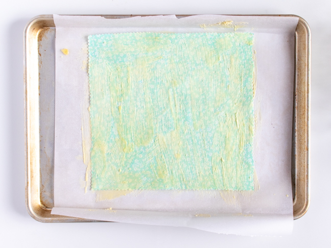 Cut Down on Plastic Wrap with these DIY Beeswax Wraps