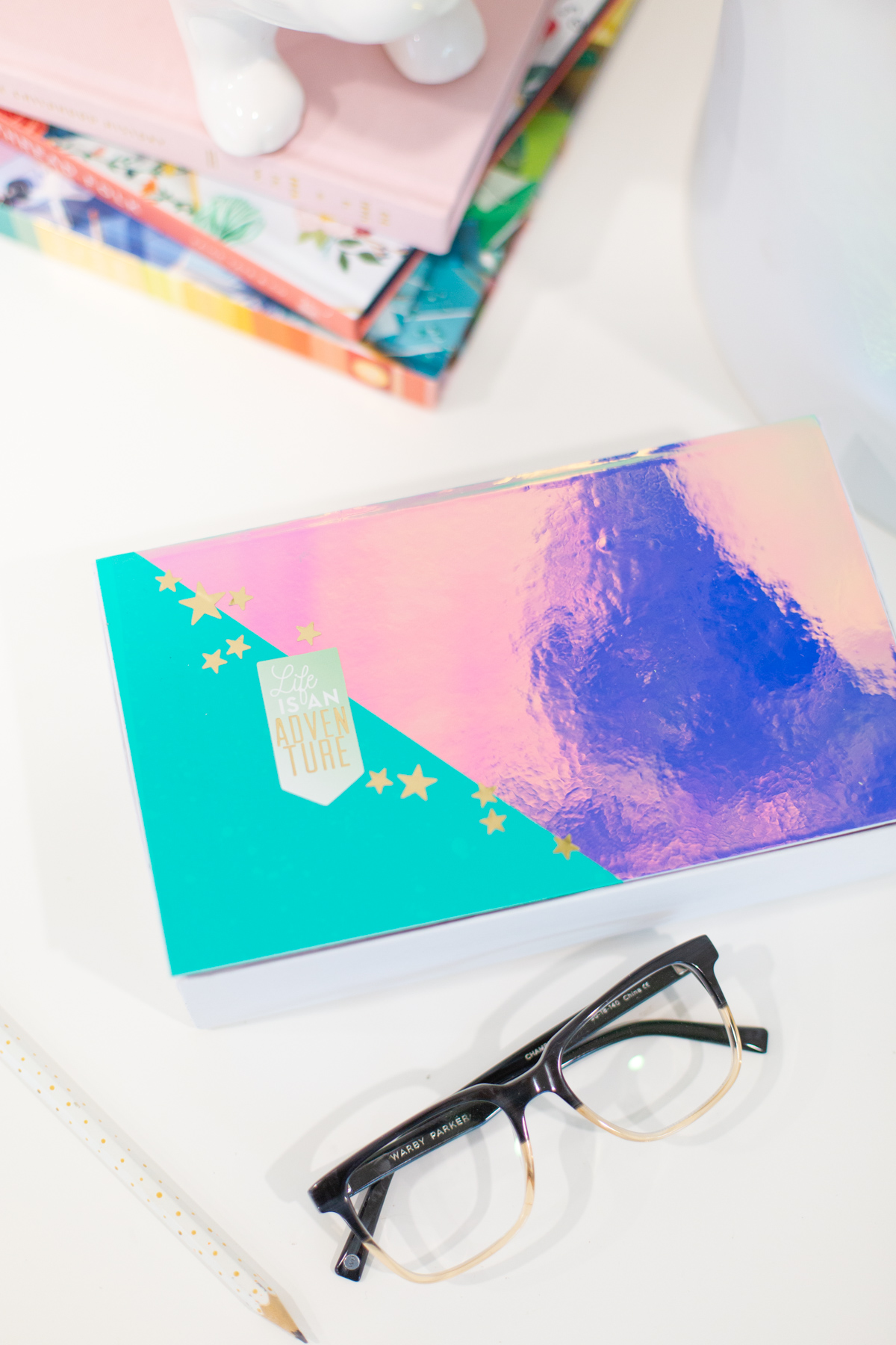DIY pencil box with holographic lid