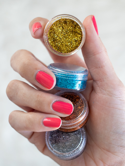 Teens Can Make Their Own 3-Ingredient Glitter Eyeshadow in Minutes