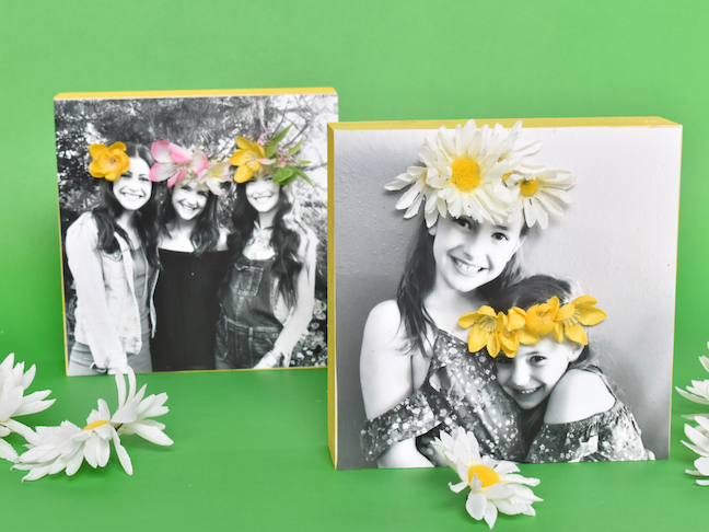This DIY 3D Flower Photo Frame