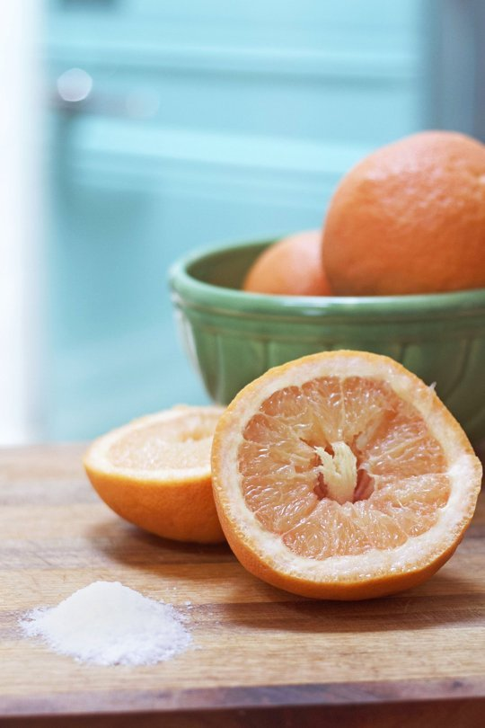 Get Rid of Your Bathtub Ring with Grapefruit