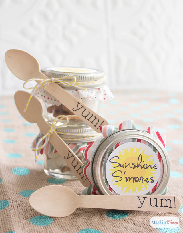 Gift Some Yummy Smores in a Jar