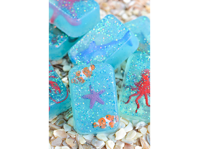 DIY Ocean Toy Glitter Soap