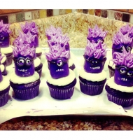 Purple Minion Twinkie Cupcakes