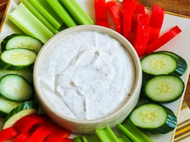 Ranch-Style Dip with Greek Yogurt and Dill (Low Carb)