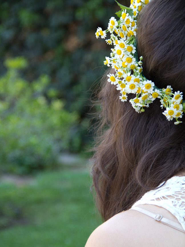 Daisy Flower Crowns for the Guests