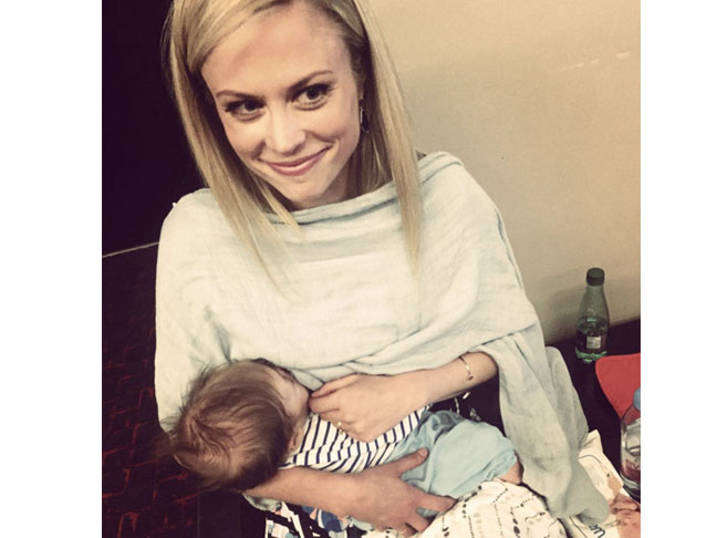 Photos Celebrity Mums Breastfeeding Their Babies In Public