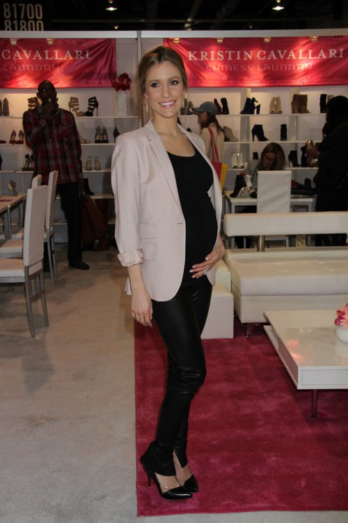 67 Best Celebrity Bump Watch images | Baby bumps ...