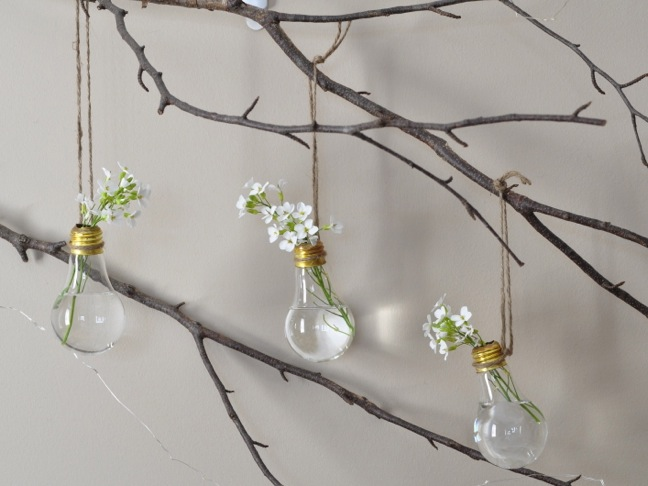 DIY Light Bulb Flower Vases