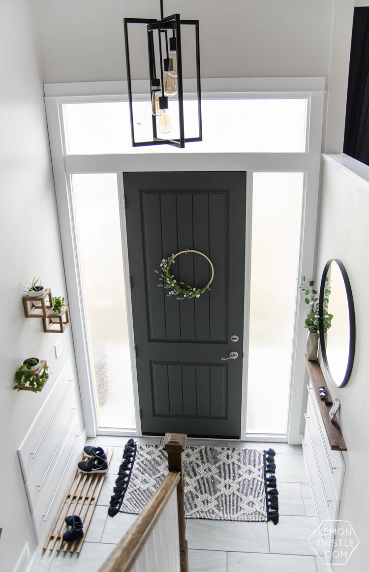 Built-In Storage Entryway