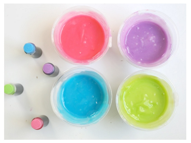 Get creative with edible finger paint.